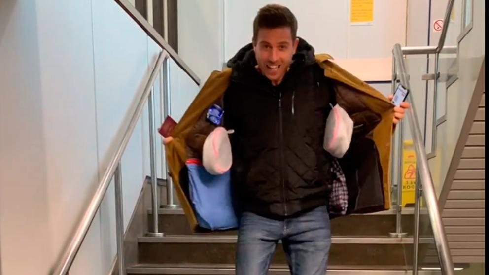 Un joven triunfa con su idea para no pagar por la maleta de mano con la nueva política de Ryanair