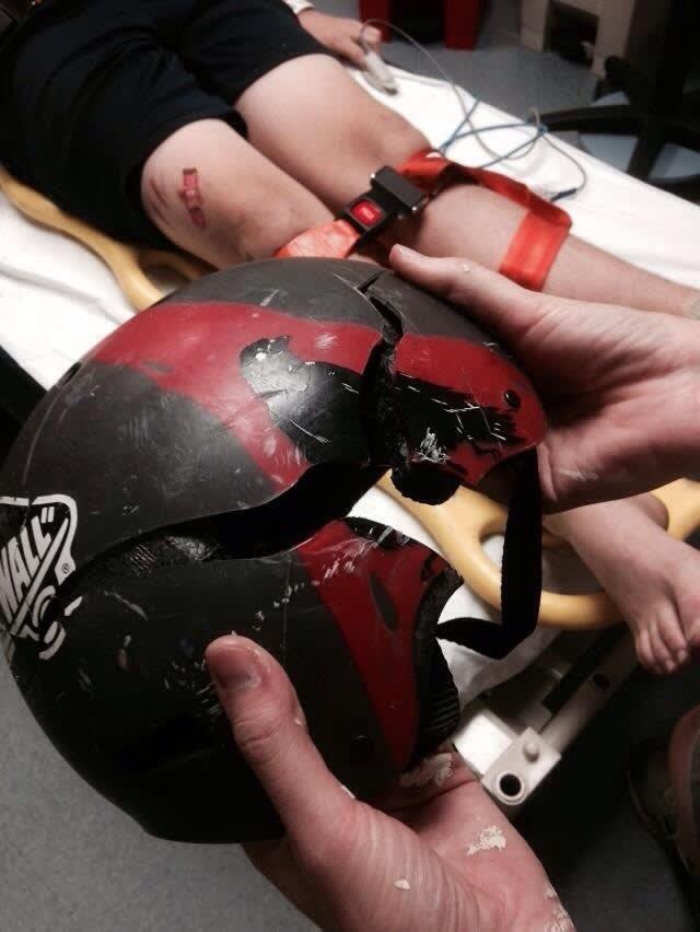 """15 Razones por las que """"jamás"""" deberíamos llevar casco"""